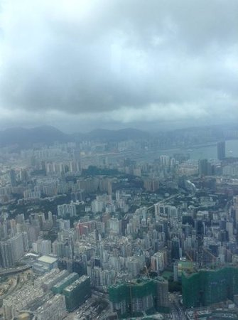 The Ritz-Carlton, Hong Kong : view from the club lounge