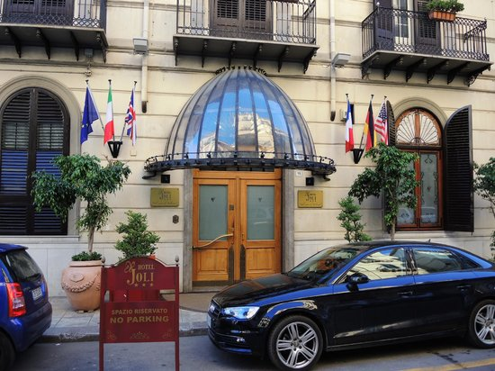 Hotel Joli: Entrata hotel