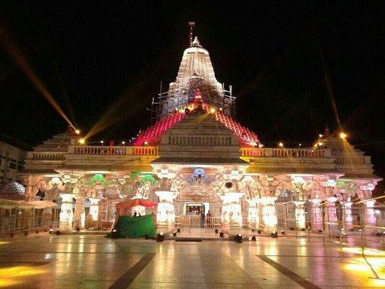 Swaminarayan Akshardham: Temple