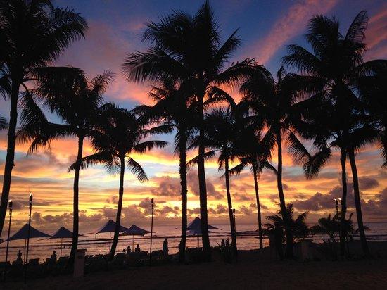 Nikko Sunset Beach BBQ: 絵葉書の様なサンセット