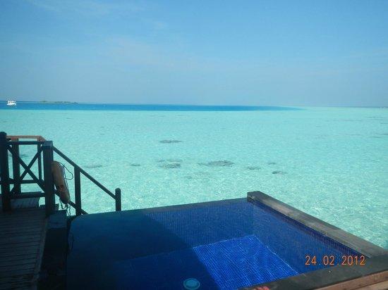 Sun Aqua Vilu Reef : Водная вилла