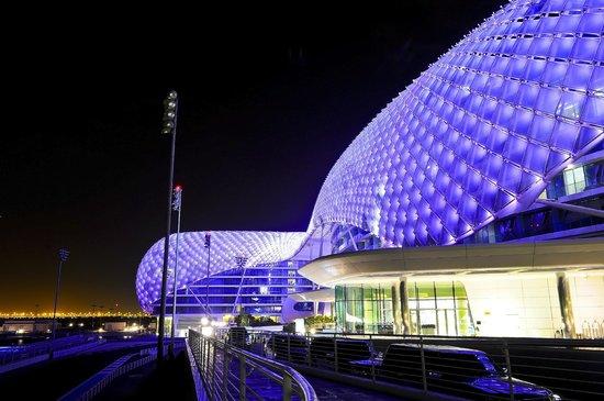 Yas Viceroy Abu Dhabi : Yas Viceroy @ Night