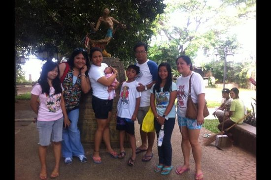 Plaza Cuartel : With the statue of the survivor of the Japanese ambush..