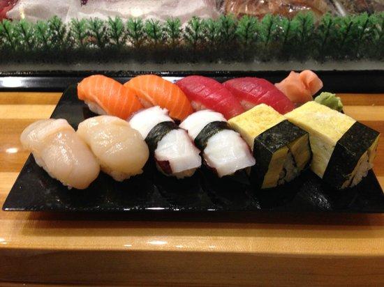 Sushi Shiono: first round: hotate, tako, tamago, maguro & masunosuke