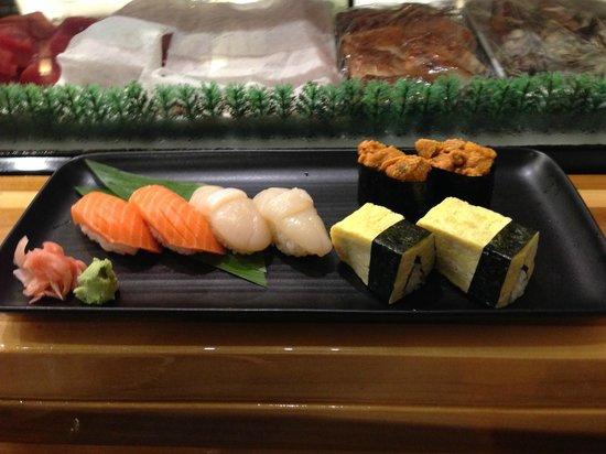 Sushi Shiono: second round: masunosuke, hotate, tamago & uni