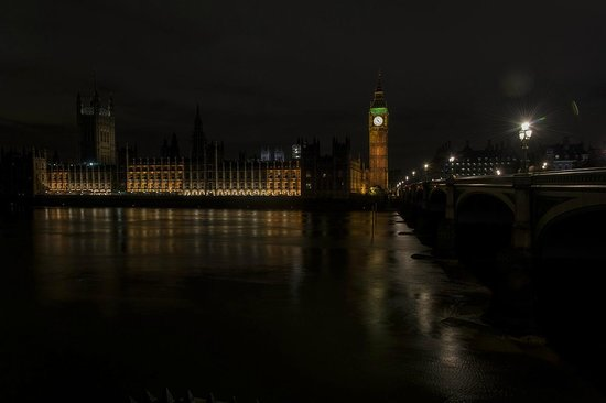 Palais de Westminster : Taken from the south side of the Thames