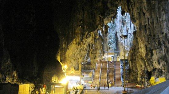 Batu Caves : バツゥー洞窟