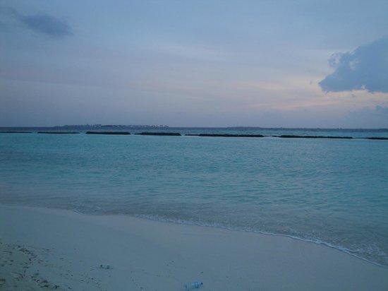 Kurumba Maldives : Sea View from Beach