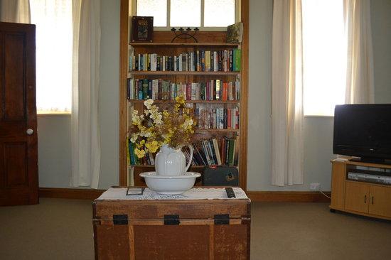 Stoke House Carcoar: Library