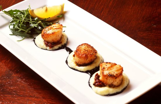 "Red Snapper Restaurant & Bar : Seared Sea Scallops  ""Chef's Signature Dish"""