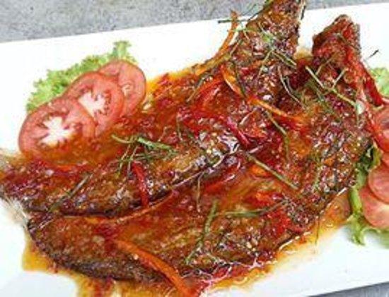 Khrua Tha Lap: ฉู่ฉี่ปลาเนื้ออ่อน