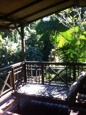 Siti Bungalows: вид с терассы на водопад (собственной)
