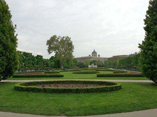 Volksgarten: Blick zu den Museen