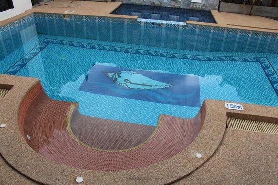 Mandawee Resort & Spa: สระน้ำ(ใสๆ)ส่วนตัวในพูลวิลล่า 1 + จากุชชี่