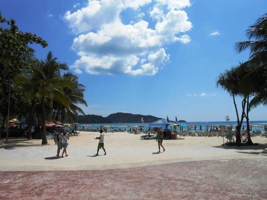 Andaman Embrace Resort & Spa: Patong beach