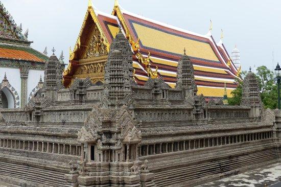 how to get to angkor wat from bangkok