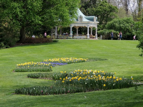 Fellows Riverside Gardens: the gazebo