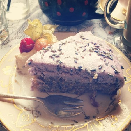 The Butterfly And The Pig : Lavender cake?