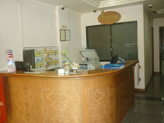 amrise hotel reception