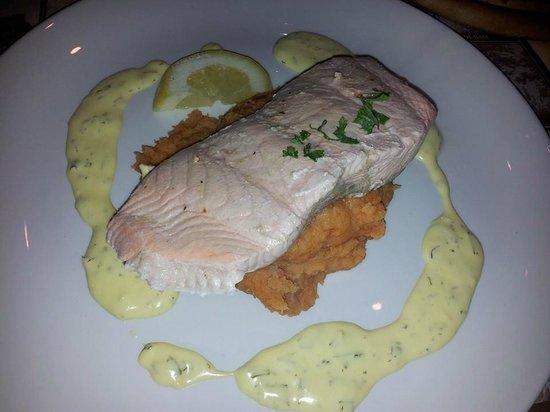 Restaurant Haesje Claes: Salmone in salsa olandese