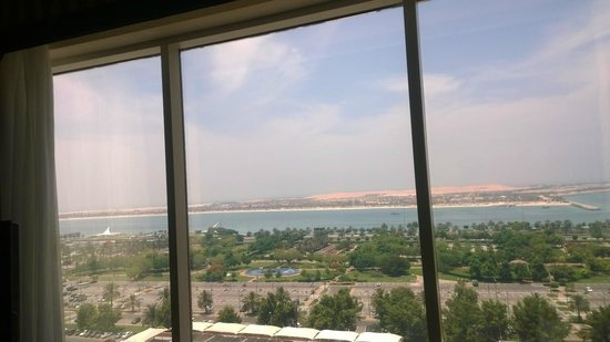 Millennium Corniche Hotel Abu Dhabi : View from Room