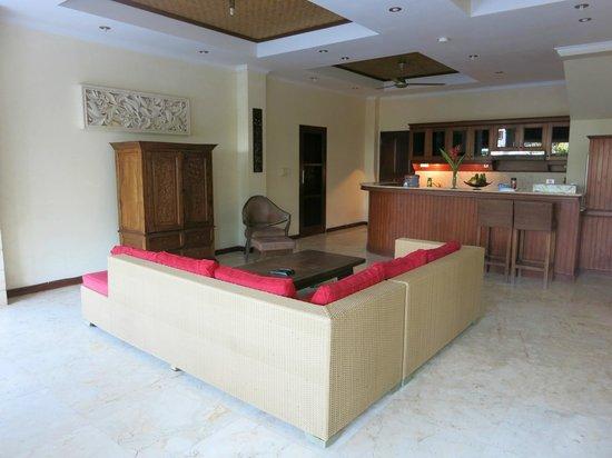 Bali Diamond Villas : Living room