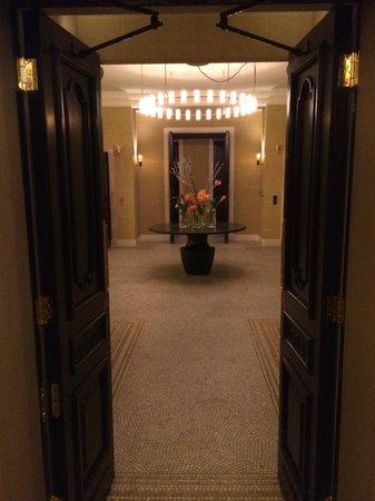 Hotel Cafe Royal: Landing