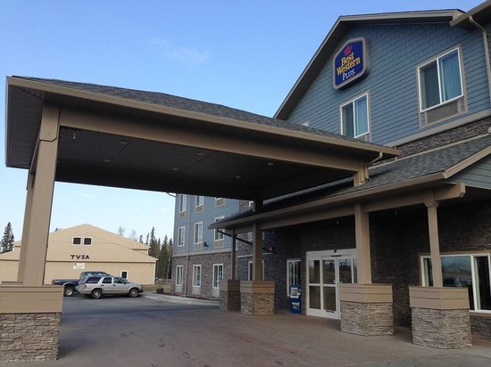 Best Western Plus Chena River Lodge: outside of hotel