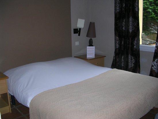 Hotel Restaurant l'Escapade: Bedroom