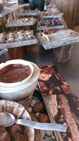 Soneva Kiri Thailand: all you can eat choco and ice cream bar