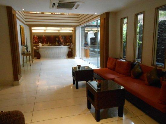 Navalai River Resort : Hotel reception