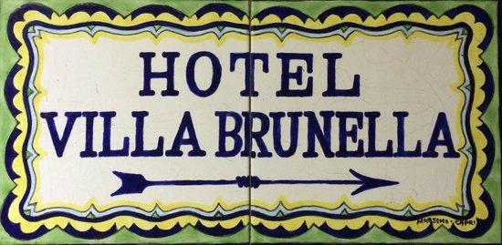 Villa Brunella: Insegna in via Tragara