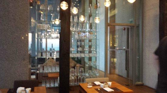 Oasia Hotel Novena, Singapore by Far East Hospitality: Club Room lounge