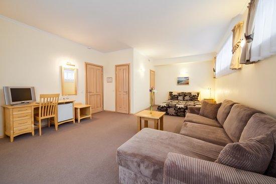 SemaraH Hotel Jomas Seta : Guest room
