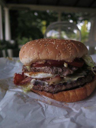 Alfred's Kitchen: Steak, Bacon, Cheese and Egg Burger