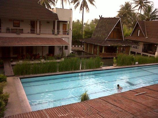 Kolam Renang Air Panas 24 Jam Ulasan Sabda Alam Resort Hotel