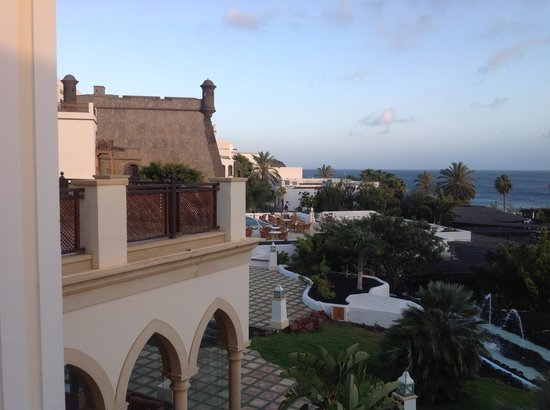 Gran Castillo Tagoro Family & Fun Playa Blanca: Across the complex.