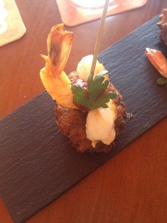 Mo GastroTapas: Sautéed spicy shrimp AMAZING