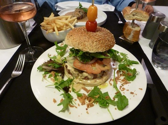 Bistrot L'Aubergine: The Royal Burger, layer after layer of flavors create a sensational dining experience