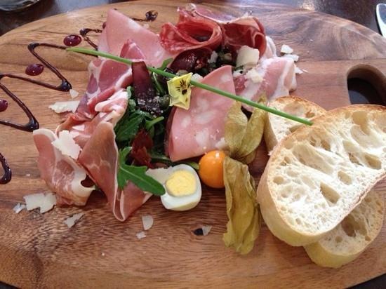 Viva Italian : Tasty...