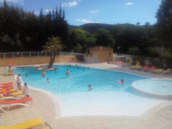 Résidence Le Galoubet : piscine extérieur
