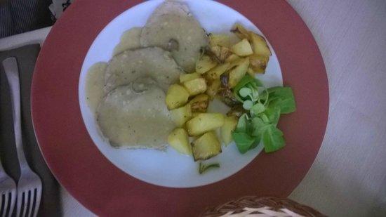 Il Casale Rosa : arista alle castagne con patate
