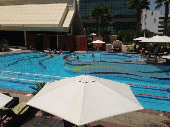 Jumeirah Creekside Hotel: Hotel main pool