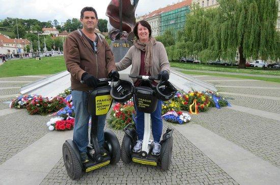 Prague On Segway : 2nd resistance memorial