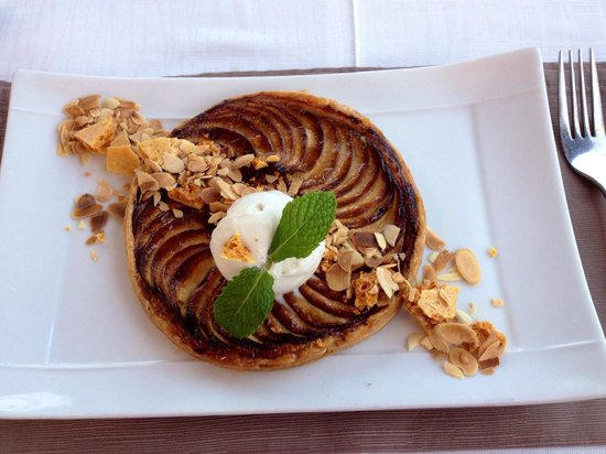 Empire Modern British Restaurant & Steak House: Apple tart