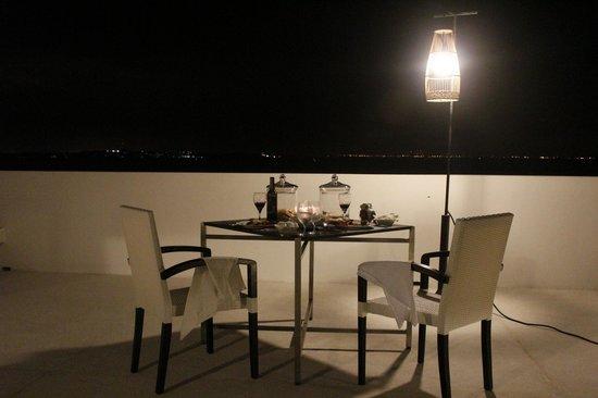Montigo Resorts Nongsa: Rooftop BBQ dining
