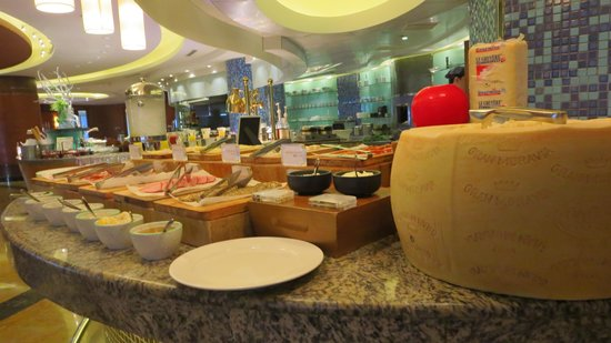 Renaissance Shanghai Pudong Hotel : The Best Breakfast On This Trip to China.