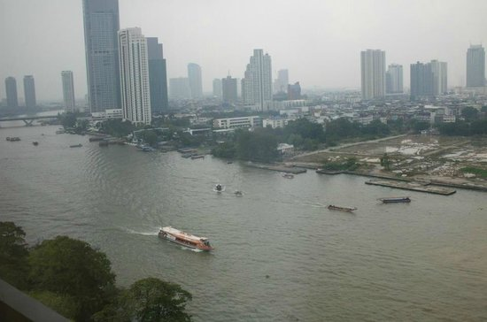 Royal Orchid Sheraton Hotel & Towers : Over looking the Chao Praya river