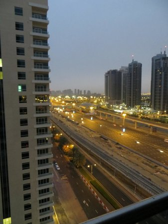 Radisson Blu Residence, Dubai Marina: night view