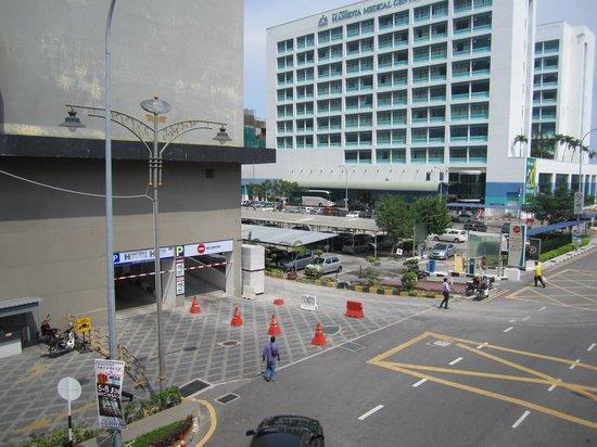 Hatten Hotel Melaka : Carpark Entrance